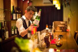 Sommelier Shinzi-san takes great care with providing the best Sake/Wine to suit your palate.