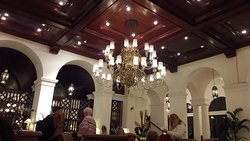 Loved the foods-buffet - oldest hotel in Manila