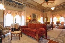 Hope-Merrill House Bed & Breakfast Inn