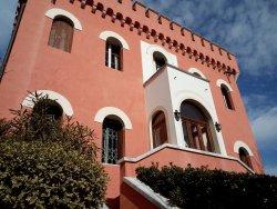 Villa Van - Axel - Loredan sui ruderi del Casteller