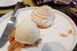 Lemon meringue tart with lime sorbet