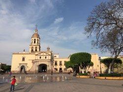 Templo y ex-convento de la Santa Cruz de los Milagros