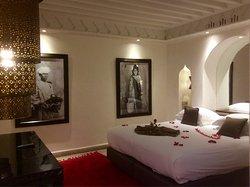Très bel hôtel , le charme d'un Riad et les services d'un 4 étoiles