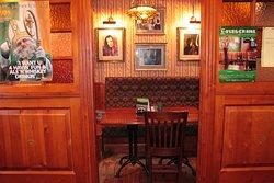 уютная кабинка для веселой компании или для романтической встречи