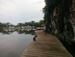This is the walkway leading to the beach area. If i'm not mistaken, this sits on a man-made lake