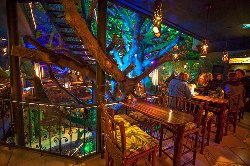 Tree House Restaurante & Cafe