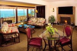 One Bedroom Ocean View Premium Suite Living Room