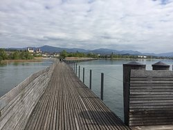 ‪Wooden Bridge from Rapperswil to Hurden‬