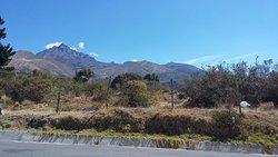 El Cotacachi, vista desde la carretera a Intag
