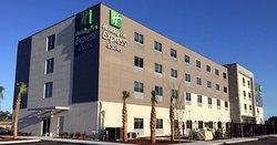 Holiday Inn Express & Suites Jacksonville W - I295 & I10