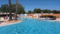 Très grand , super piscine