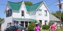Auberge Inn Hostel