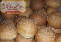 Panaderia y Pasteleria La Ideal