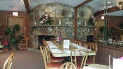 Hilltop Restaurant & Lounge