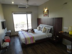 Hotel Grandeur & Vista Rooms