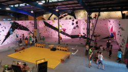 The Roof - House of climbing