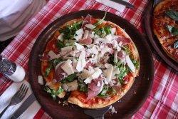Lipari Pizzeria Restaurant