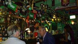 Simon's Pub