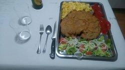 Este cachopo consta de carne de ternera, chosco de Tineo y queso edam.