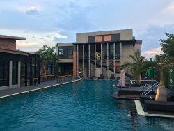Cresco Hotel @ Buriram