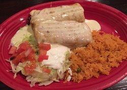 Los Primos Mexican Grill