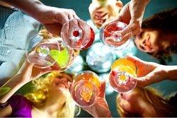 Aperitivo Spritz Alla Porta Doranea Vino bianco, soda, Rosso Antico, ghiaccio, fetta di Arancio