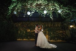 Make your wedding memorable in our Conservatory Garden