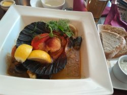 Good fish, but mussels & clams are sandy