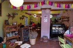 La Cereza Cafeteria y Reposteria