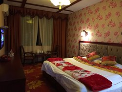 Xiannvshan Daziran Holiday Hotel