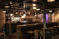 Suburb SW11 Bar & Dining