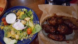 House salad and wings