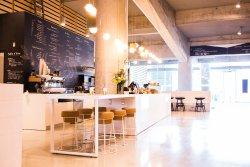 Le Parva Cafe & Bistro