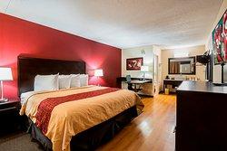 Red Roof PLUS+ Huntsville – Madison