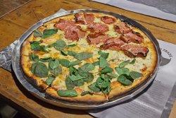 Pizzaria Vila do Frade