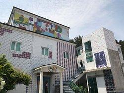 Jeonhyeoklim Art Museum