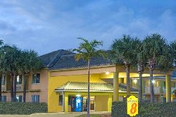 Super 8 by Wyndham Dania/Fort Lauderdale Arpt