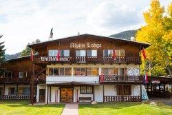 Alpine Lodge & Hotel