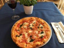 Casa Mavi italian restaurant and pizzeria
