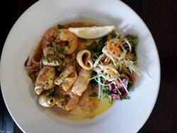 Sehr schmackhafte und absolut frische Seafood Vorspeisen zu guten Preisen in einem gemütlichen R
