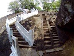 穆奇利塔拉石廟