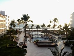 Beautiful resort, fun for family and friends!