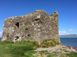 McCarthy Mór Tower House - Ballinskellig Castle