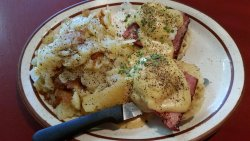 UNCLE Tom's Pancake House