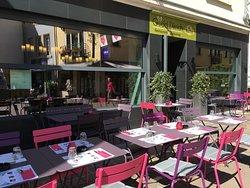Gudd Dikrich Restaurant & Takeaway