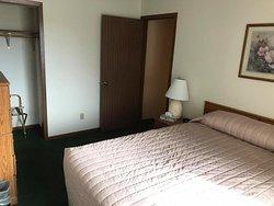 Forrest Inn Motel