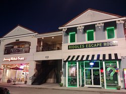 Riddles Escape Room