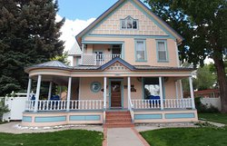 Lathrop House Bed & Breakfast