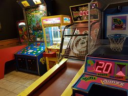 Tractor Jacks Pub, Games & Pizza