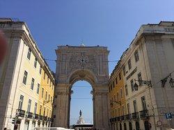 Mirante Belvedere, do Arco da Rua Augusta